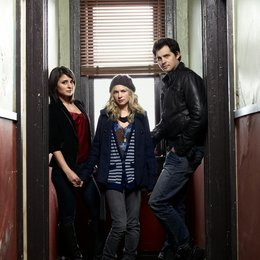 Life Unexpected / Shiri Appleby / Kristoffer Polaha / Brittany Robertson Poster