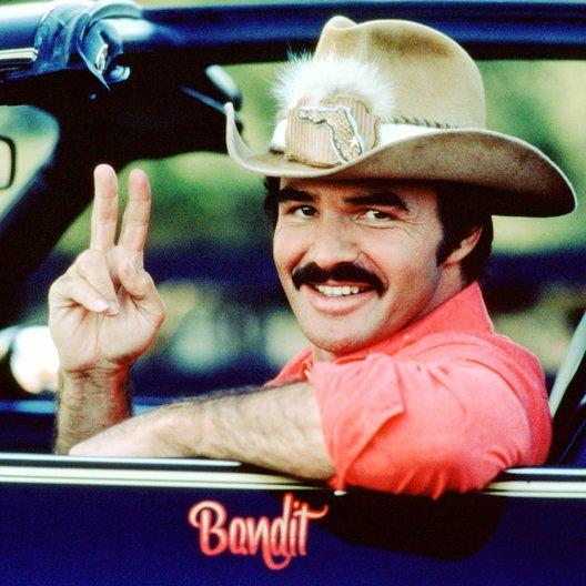 ausgekochtes Schlitzohr ist wieder auf Achse, Ein / Burt Reynolds