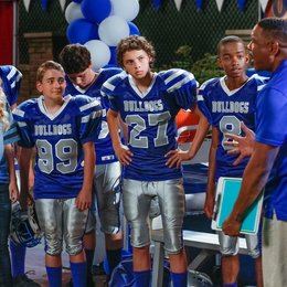 Bella and the Bulldogs / Brec Bassinger / Dorien Wilson / Coy Stewart / Jackie Radinsky / Buddy Handleson Poster
