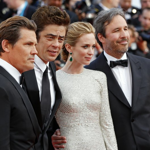 Brolin, Josh / Del Toro, Benicio / Blunt, Emily / Villeneuve, Denis / 68. Internationale Filmfestspiele von Cannes 2015 / Festival de Cannes Poster