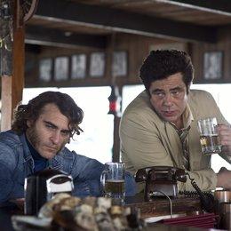 Inherent Vice - Natürliche Mängel / Joaquin Phoenix / Benicio Del Toro Poster