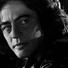 Sin City / Benicio Del Toro Poster