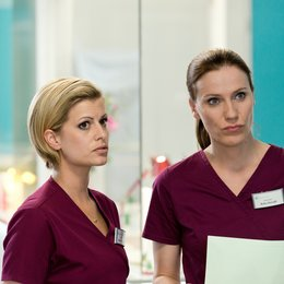 Bettys Diagnose (1. Staffel, 12 Folgen) / Bettina Lamprecht / Theresa Underberg Poster