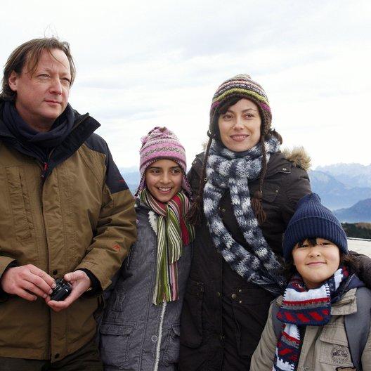 Schutzlos (ZDF) / Carolina Vera / Sara Kessling / Miguel Hernandez Lara / Matthias Brandt