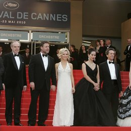 Thierry Fremaux / Frederic Mitterand / Russell Crowe / Danielle Spencer / Brian Grazer / Cate Blanchett / Robin Hood Filmteam / 63. Filmfestspiele Cannes 2010 Poster