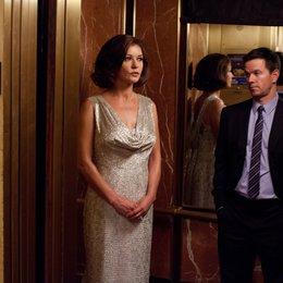 Broken City / Catherine Zeta-Jones / Mark Wahlberg Poster