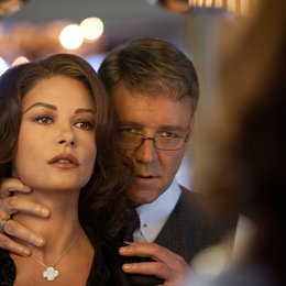 Broken City / Catherine Zeta-Jones / Russell Crowe Poster