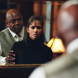 Gothika / Halle Berry / Charles S. Dutton Poster