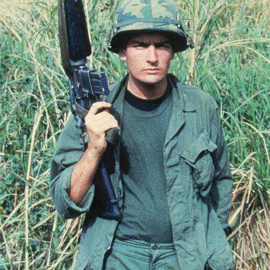 Platoon / Charlie Sheen Poster
