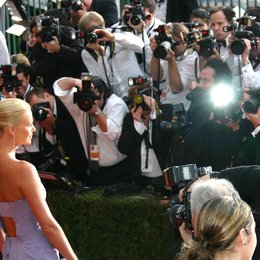 10. Screen Actors Guild Awards 2004 (SAG) in Los Angeles / Fotografenmenge / Charlize Theron