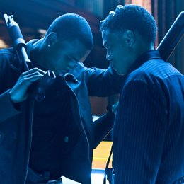 Takers / Chris Brown / Michael Ealy Poster