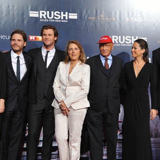 Rush - Alles für den Sieg / Filmpremiere / Alexandra Maria Lara / Daniel Brühl / Chris Hemsworth / Niki Lauda Poster