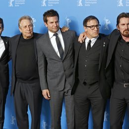 """American Hustle"" Team / Budman, Matthew / Roven, Charles / Cooper, Bradley / Russell, David O. / Bale, Christian / 64. Berlinale 2014 Poster"