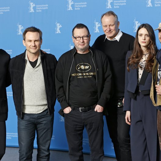Nymphomaniac-Team / Thurman, Uma / Slater, Christian / Trier, Lars von / Skarsgård , Stellan / Martin, Stacy / LaBeouf, Shia / 64. Berlinale 2014 Poster