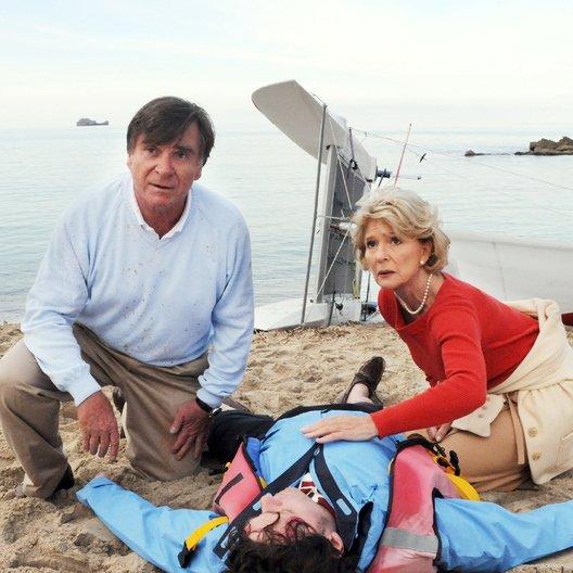 Zwei Ärzte sind einer zuviel: Reif für die Insel (ZDF) / Christiane Hörbiger / Elmar Wepper Poster