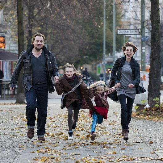 Eltern / Charly Hübner / Parashiva Dragus / Emilia Pieske / Christiane Paul Poster