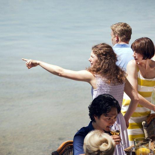 Familie Sonntag auf Abwegen (ZDF) / Christiane Paul / Friedrich von Thun / Anna Maria Sturm / Yusuke Yamasaki