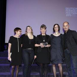 Deutsches FernsehKrimi-Festival 2015 / v.l.n.r. Festivalleiterin Cathrin Ehrlich, Daniela Mussgiller, Iris Kiefer, Antje Zynga, Christoph Maria Herbst Poster