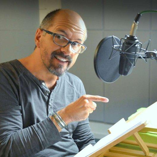 """Las den """"Er ist wieder da"""" für Lübbe Audio ein. Christoph Maria Herbst Poster"""