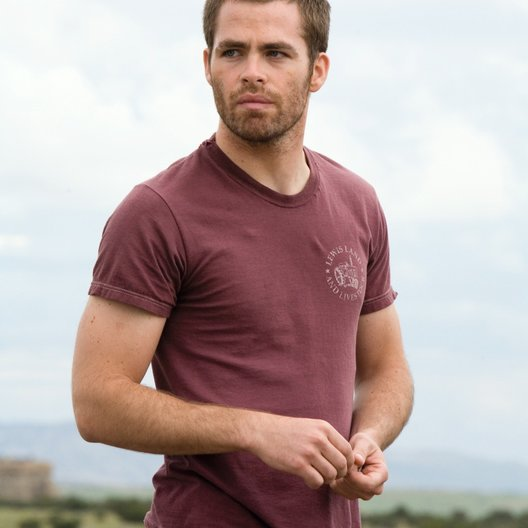 Carriers / Chris Pine