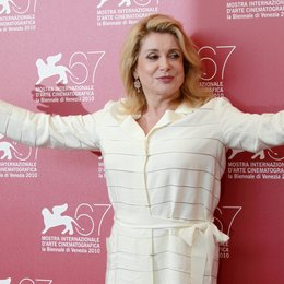 Deneuve, Catherine / 67. Internationale Filmfestspiele Venedig 2010 Poster