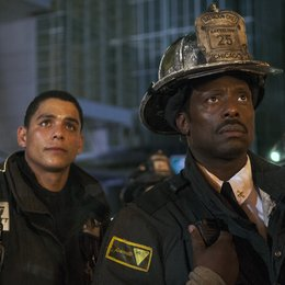 Chicago Fire / Chicago Fire (1. Staffel) / Eamonn Walker / Charlie Barnett Poster
