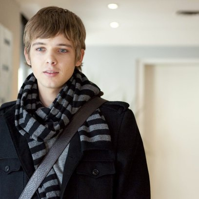 Chloe / Max Thieriot Poster