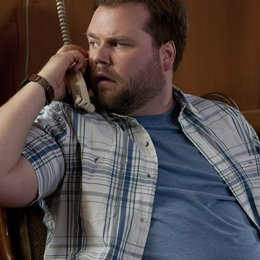 Cottage Country / Tyler Labine