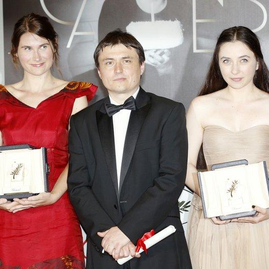 Stratan, Cosmina / Mungiu, Cristian / Flutur, Christina / 65. Filmfestspiele Cannes 2012 / Festival de Cannes Poster