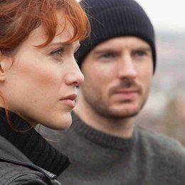 Crossing Lines (2. Staffel, 12 Folgen) / Gabriella Pession / Richard Flood Poster