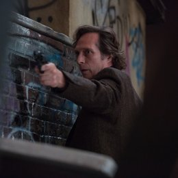 Crossing Lines (2. Staffel, 12 Folgen) / William Fichtner Poster