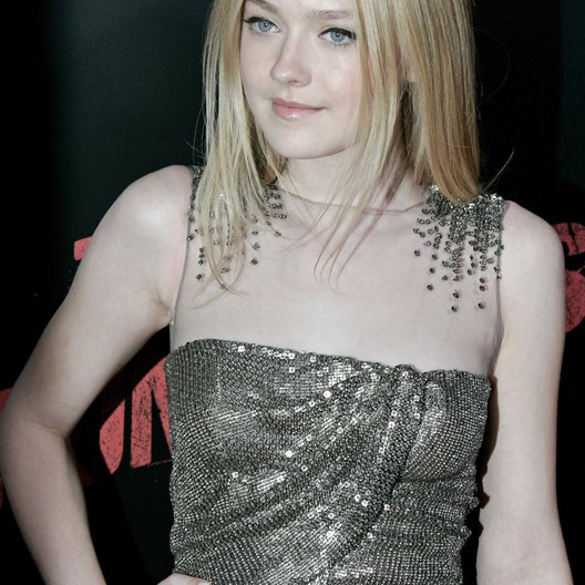 "Fanning, Dakota / Premiere von ""The Runaways"" Poster"