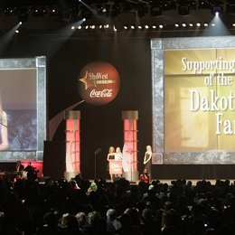 "Fanning, Dakota / ""Supporting Actress of the Year"" / 32. ShoWest Awards 2006 in Las Vegas Poster"