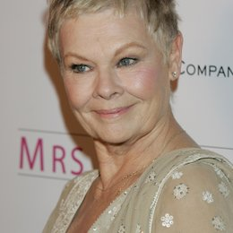 "Judi Dench / Premiere von ""Mrs. Henderson Presents"" Poster"