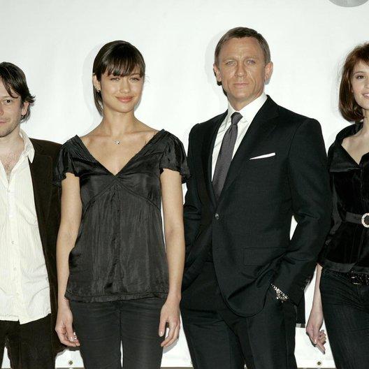 James Bond 007: Ein Quantum Trost / James Bond 007: Quantum of Solace / Pressekonferenz / Mathieu Amalric / Olga Kurylenko / Daniel Craig / Gemma Arterton Poster