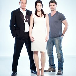 Saving Hope / Daniel Gillies / Erica Durance / Michael Shanks Poster