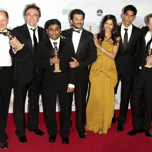"Cast & Crew von ""Slumdog Millionaire"" / 66th Golden Globe Awards 2009, Los Angeles / Danny Boyle / Freida Pinto / Dev Patel"