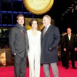 """Europapremiere von """"Der seltsame Fall des Benjamin Button"""" in Berlin / Brad Pitt, Angelina Jolie und David Fincher Poster"""