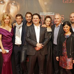 Gabriela Bacher, Veronica Ferres, Frank Briegmann, David Garrett, Bernard Rose, Andrea Deck, Rick Blaskey, Giang Truong und Sergio Garcia Vidal (Head of Marketing Pop Universal Music International) v.l. Poster