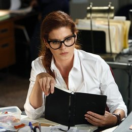Detective Laura Diamond / Debra Messing Poster