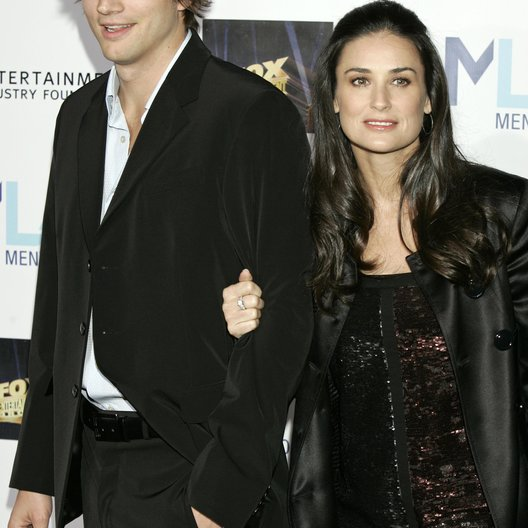 Kutcher, Ashton und Moore, Demi / Mentor LA's Promise Gala Honoring Tom Cruise Poster