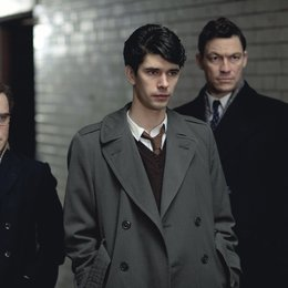 Hour, The / Ben Whishaw / Joshua McGuire / Dominic West Poster