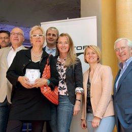 Senator stellt im Rahmen des Filmfest München Line-up bei Tradeshow vor / Marc Klocker, Peter Heinzemann, Doris Dörrie, Hans Hertel, Tania Reichert-Facilides, Astrid Böhmisch und Peter Sundarp Poster