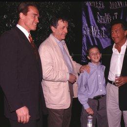 Showest 1997 / Arnold Schwarzenegger / Constantin Costa-Gavras / Max / Dustin Hoffman Poster