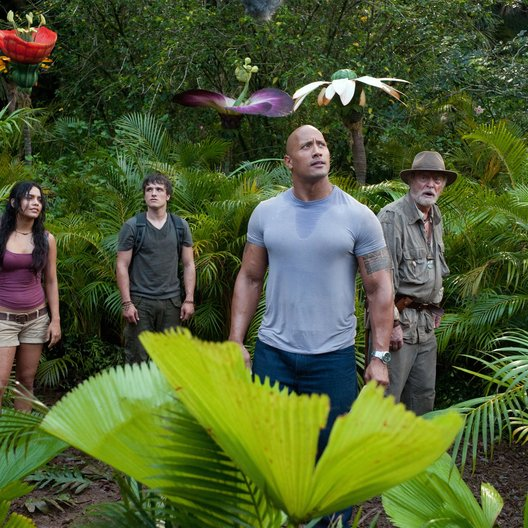 Reise zur geheimnisvollen Insel, Die / Luis Guzmán / Vanessa Anne Hudgens / Josh Hutcherson / Dwayne Johnson / Sir Michael Caine Poster