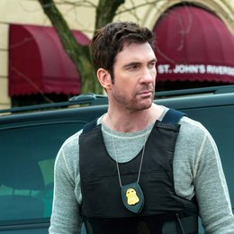 Hostages / Dylan McDermott Poster