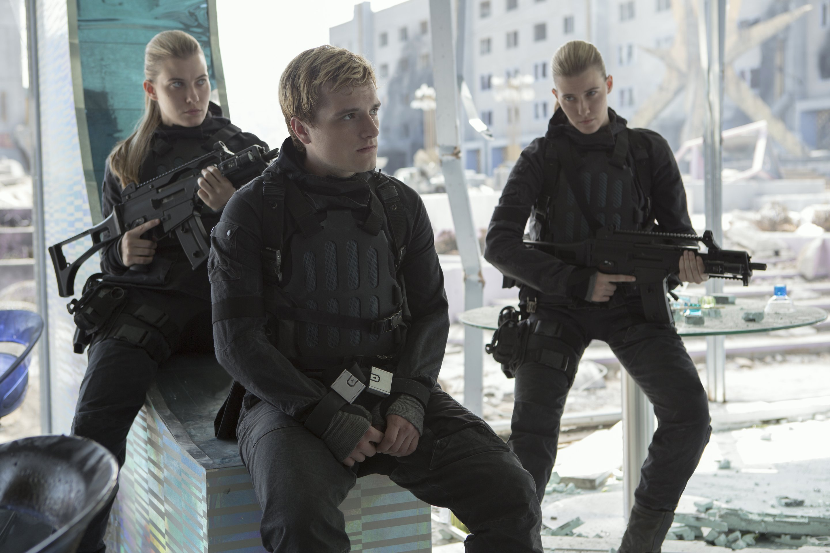 Die tribute von panem mockingjay teil 2 film 2015 trailer kritik for Die tribute von panem 2