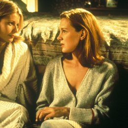 Moonlight and Valentino / Gwyneth Paltrow / Elizabeth Perkins