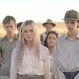 Young Ones / Elle Fanning Poster