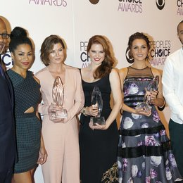 Grey's Anatomy Cast / Pickens Jr., James / McCreary, Kelly / Pompeo, Ellen / Drew, Sarah / Luddington, Camilla / Williams, Jesse / People's Choice Awards 2015, Los Angeles Poster